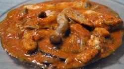 Kip met champignons en rode wijn
